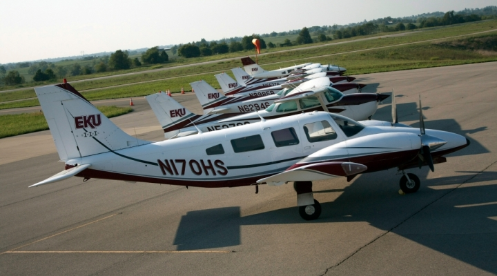 EKU Aviation flight line