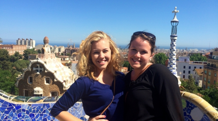Rachel Droege (left) and friend in Segovia, Spain