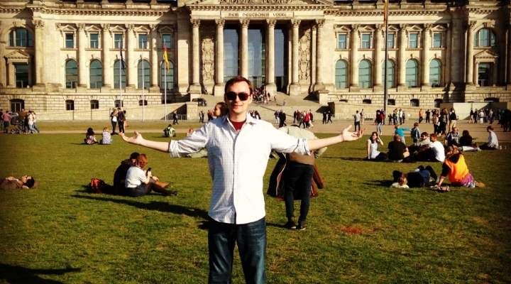 Dustin Whittman in front of the Bundestag in Berlin