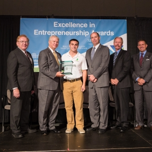 EIEA winner Shane Hamilton (center)