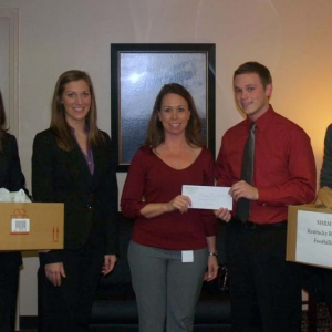 Maroon SHRM students collect donations for KRFDC