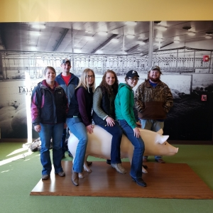 EKU Agriculture students at Fair Oaks Farm
